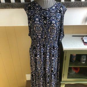 NWT Sleeveless Printed Maxi Dress